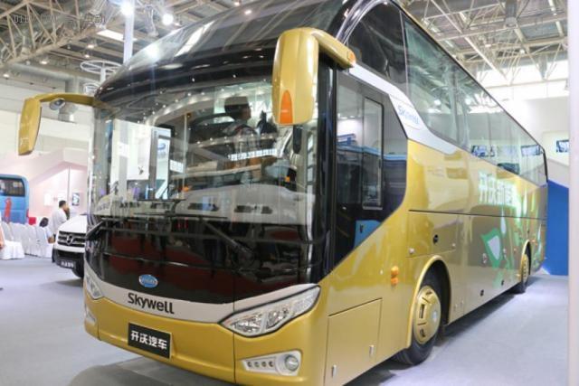 发布全新品牌 南京金龙开沃四模混动客车亮相北京车展