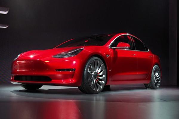 特斯拉Roadster 3.0升级 里程达547公里