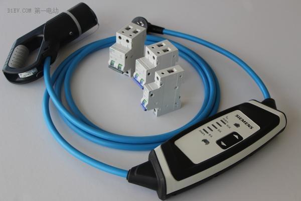 西门子便携式电动汽车充电宝,内置漏电保护模块,接头带过温保护