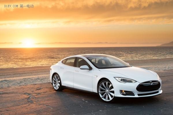 继这七个车款之后,特斯拉即将推出100d,p100d车款,目前该车款已经进入