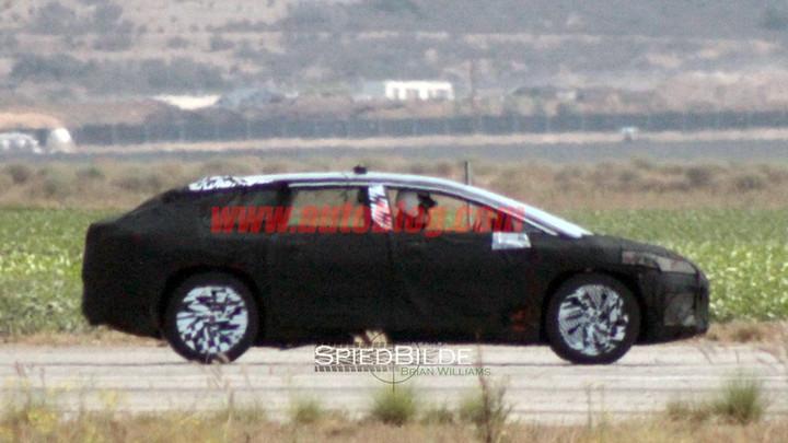 对手直指特斯拉MODEL X!Faraday Future首款量产车2017年初亮相