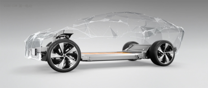 顶级性能、奢华空间与极致舒适的完美融合 FF首款量产车竟是超级旗舰