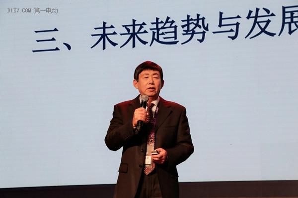山东省汽车行业协会常务副会长兼秘书长魏学勤