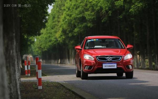 北汽EU260纯电动汽车