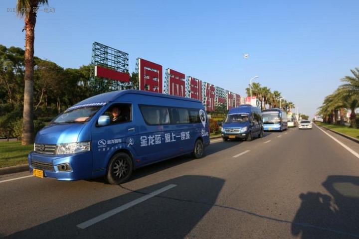"""溯源""""金龙蓝"""" 近万辆金龙新能源客车投放全国170多个城市"""