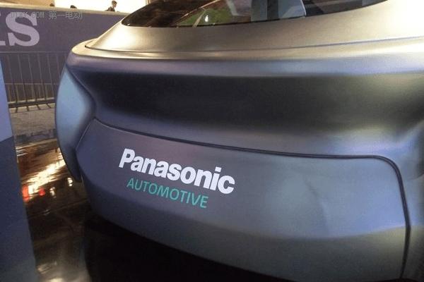 四块液晶屏加身,松下发布自动驾驶技术概念车