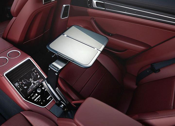 Panamera 4 E-Hybrid行政加长版首发 售143.80万元