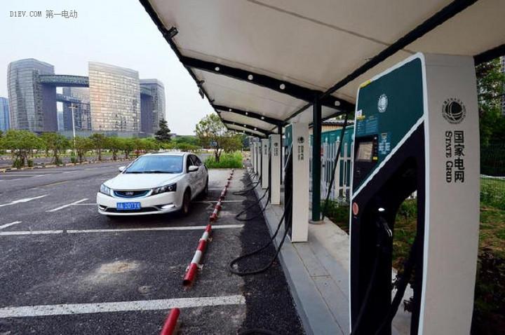 江西赣州停车收费管理办法出台,市中心新能源汽车停车收费减半