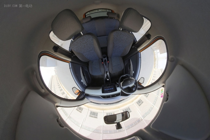 VR试 | 将于济南车展上市 雷丁D80VR内饰