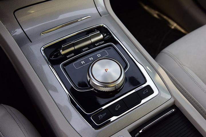 荣威RX5纯电动版首发,续航320km/旋钮式换挡/5月上市