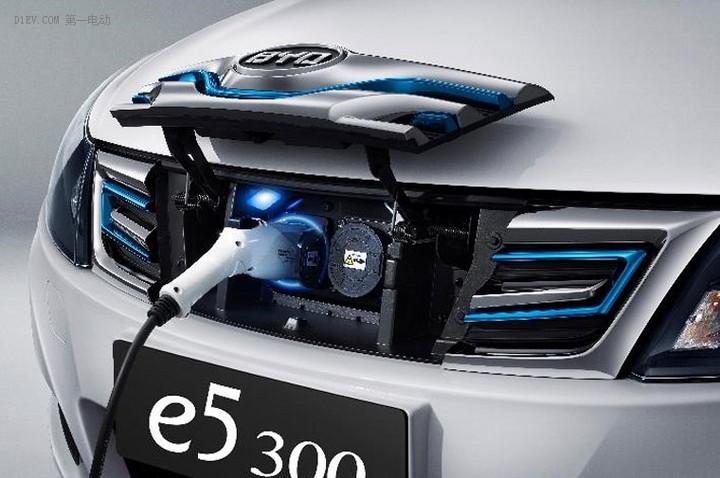 2017款比亚迪e5 300全新上市 携12项升级再度引领