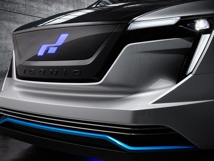 外形棱角分明 ICONIQ Seven电动MPV 4月16日首发