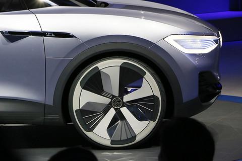 大众新能源战略 ID.CROZZ和辉昂GTE亮相2017上海车展