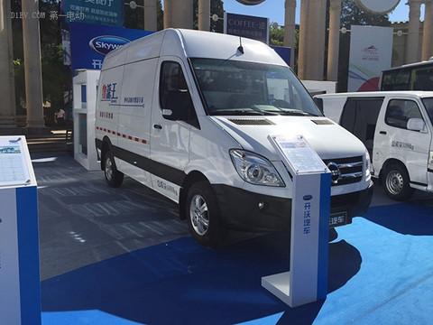 开沃D11纯电动厢式运输车