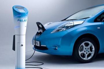 外国车主为什么大爱电动汽车?这车开起来太棒了!