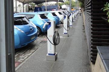 【一周热点】两会热议新能源汽车 充电桩建设潮起
