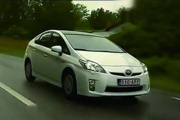 海外评测新款丰田普锐斯
