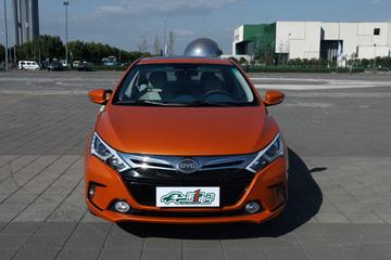 """杭州""""限牌令""""下 车企加速布局新能源车市场"""