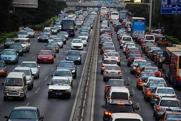 沪深两市2013年报公布 44家车企业绩上涨