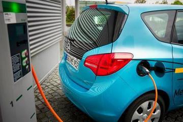 """新能源汽车的""""年报考验"""":继续主题炒作还是回归业绩"""