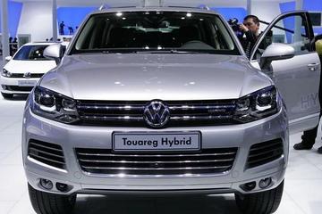 中国市场掀新能源风潮 外资品牌集中发布混动车型