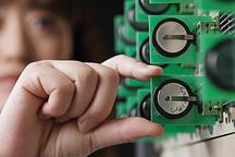 美国研究人员利用粉末纳米材料延长锂硫电池寿命