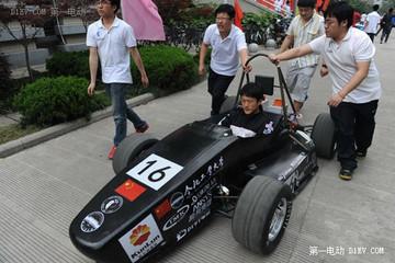 合肥大学生打造新型电动F1赛车