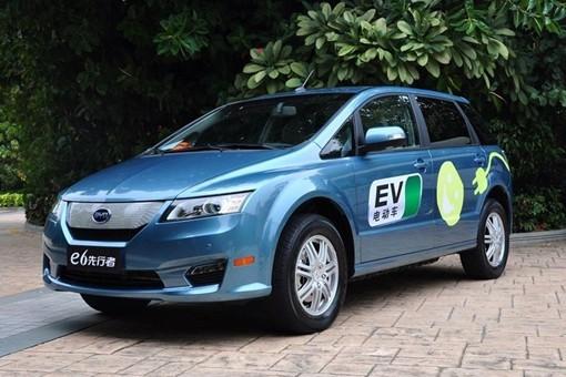 比亚迪e6电动车
