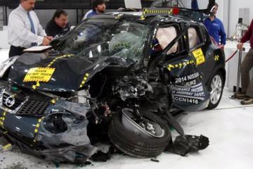 揭秘美国最重要的安全碰撞测试:小面积重叠碰撞试验