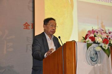 """陈清泉:在云南发展新能源车有很大的""""潜力"""""""
