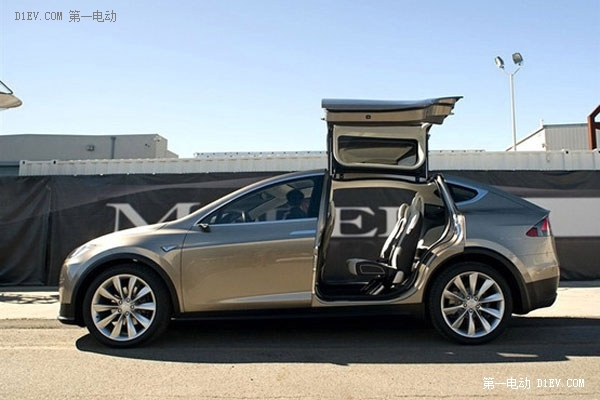 特斯拉Model X电动车