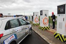 86个新能源汽车充电桩亮相青藏高原