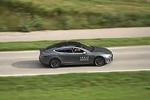特斯拉电动汽车 不一样的科技动感