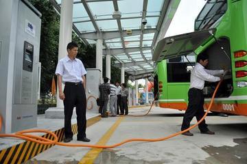 青岛2015年将有5200辆电动汽车 电动出租车将上路