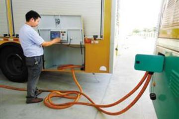 深圳电动大巴有了移动充电宝 运行里程与燃油大巴相当
