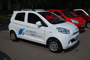 企业自补10%车价  雷丁小型电动车售价29800元