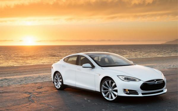 手机端汽车定位APP发威,美夫妇找回被盗的Model S