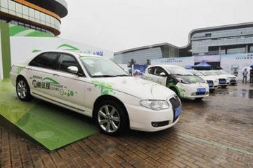 上海氢燃料电池车明年投用 加氢仅需3分钟还可烤面包