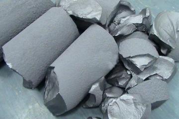 六氟磷酸锂产能过剩严重 价格持续下滑