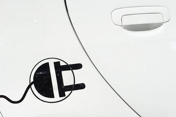 夹缝中充电 一个北京电动车主的自白