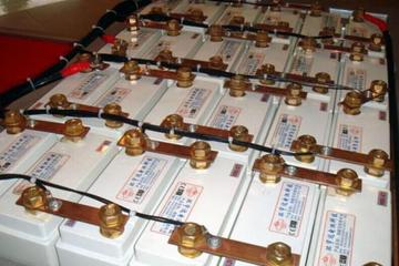 """中国磷酸铁锂电池产业实现突围 还需专利""""蓄电"""""""