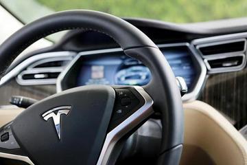 富士康敲定代工特斯拉 将降低电池等核心技术成本