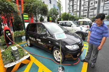 【插电式应否进京?】北京应坚持推广纯电动车摇号政策