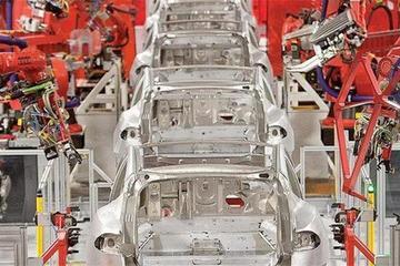 富士康投资8亿建电动车厂 借特斯拉专利自主制造?
