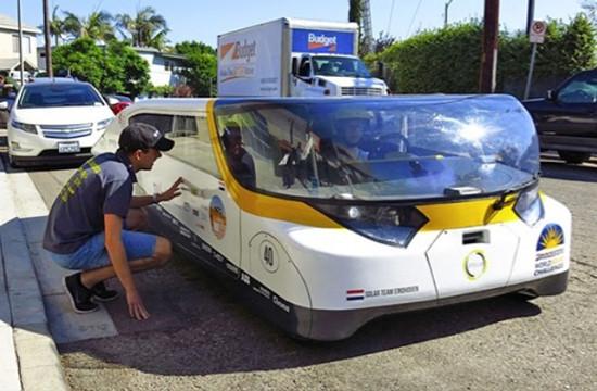 Stella四座太阳能电动汽车诞生 5年内可量产