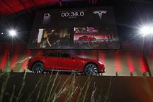 特斯拉电池交换站预计2014年底运行