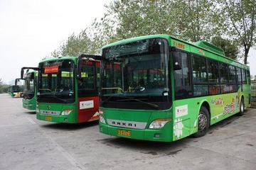 南昌首座电动汽车充电站投入运营 47辆插电式公交启运