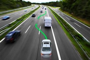 用自动驾驶对抗无人驾驶:车企力推主动安全标配