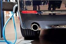 西藏首辆新能源汽车试运行 或用光伏充电