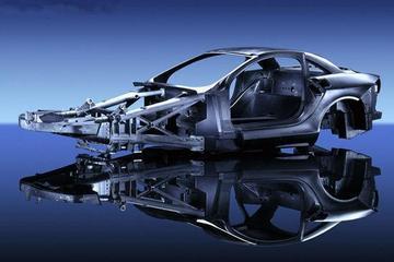 全国首辆碳纤维车身纯电动大巴研制成功 明年正式投产